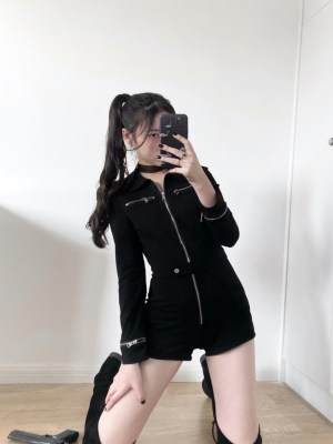 Seulgi Black Motorcycle Buttoned Belt Jumpsuit 00002