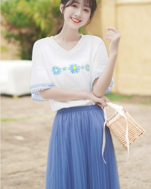V-Neck Floral Printed Bell Sleeve Blouse (7)