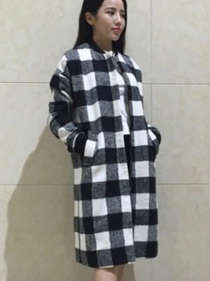 Yoona Black And White Checkered Coat (4)