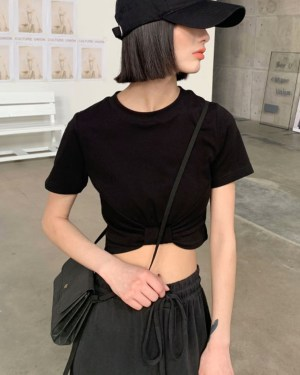 IU Pitch Black Cropped Knotted Shirt 00005