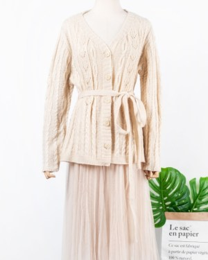 IU Tie Belted Knitted Cardigan & Cute Lace Ruffled Skirt (4)