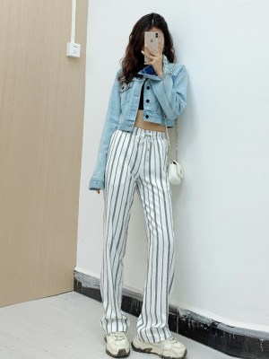 Jennie Blue Cropped Denim Jacket and Vertical Striped Wide Leg Pants (2)