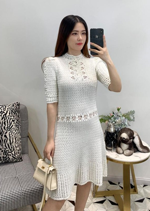 Ivory Round Neck Crochet Dress | Lisa – Blackpink