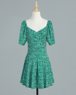 Rose Green Retro Floral Puff Sleeved Dress (4)