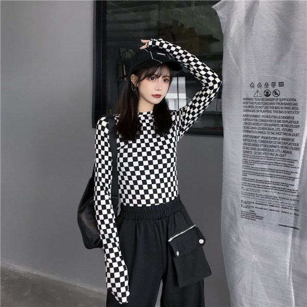 Black And White Checkerboard Long-Sleeved Shirt | Chaeryeong – ITZY