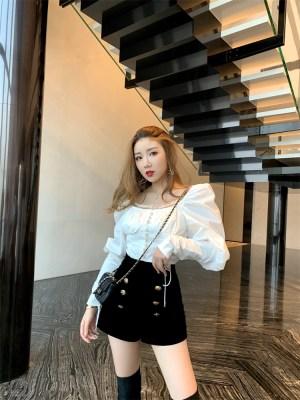 Chungha – Black High Waisted Velvet Shorts (5)