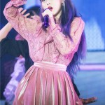 Glittery Velvet Pleated Pink Skirt | IU