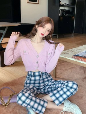 Jennie Cropped Pink V-Neck Cardigan (2)