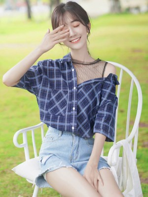 One Side Mesh Off Shoulder Plaid Shirt (3)