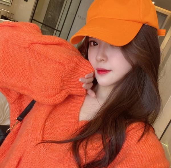 Oversized Cable Fire Orange Sweater | Rose – Blackpink