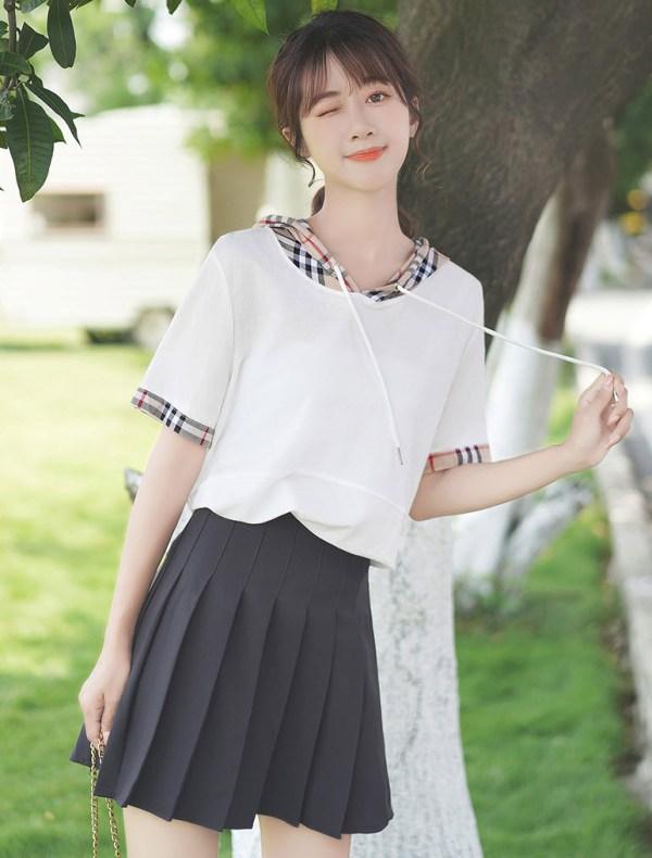Two Piece-like Plaid Hood T-Shirt