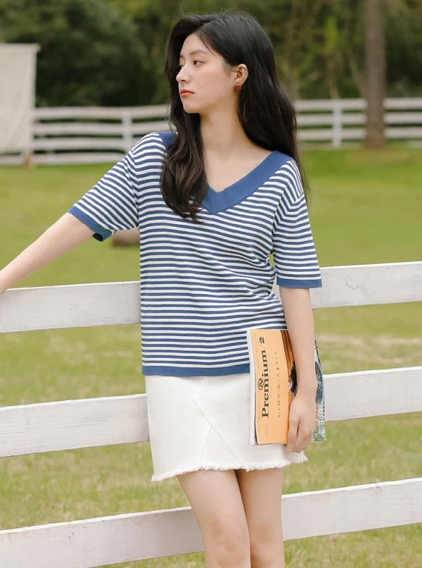V-Neck Cute Blue Striped T-Shirt