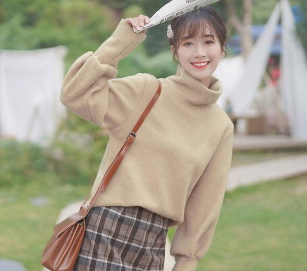 Beige Autumn Turtleneck Cotton Sweater