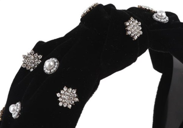 Black Pearl Rhinestone Bow Hairband | Jennie – BlackPink