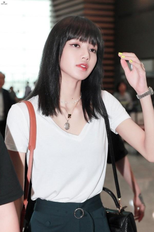Plain White V-Neck Short Sleeve T-Shirt | Lisa – BlackPink