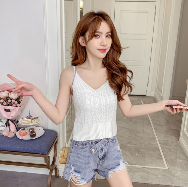 Twisted Sling V-neck Cami Top | Soyeon – (G)I-DLE