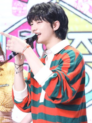 Striped Cotton Polo Top | Hyunjin – Stray Kids