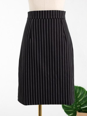 Jennie High Slit White Striped Black Skirt (7)