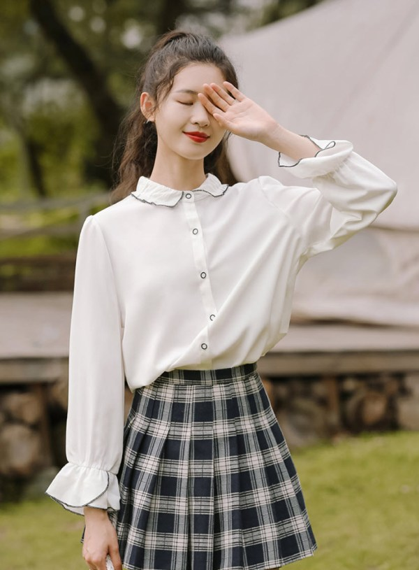 Crumpled Collared Shirt With Cute Black Outlined Buttons