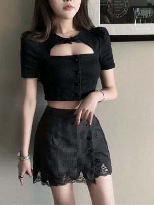 Jennie – BlackPink Pleated Lace Mini Skirt (8)