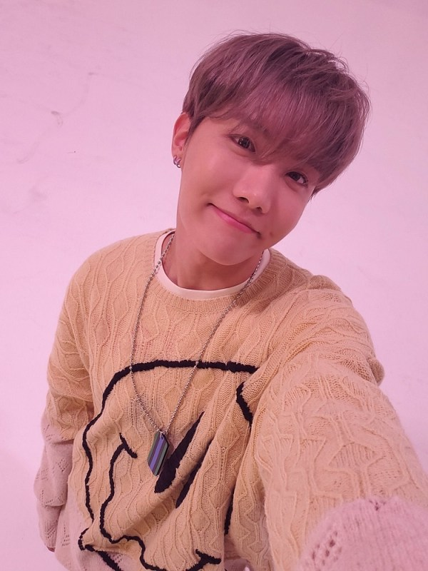 Smiley Face Sweater | J-hope – BTS
