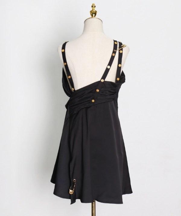 Black Dress With Safety Pins | Jisoo -BlackPink