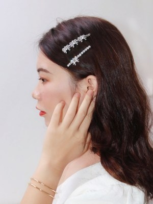 Ko Moon‑Young – It's Okay Not To Be Okay Crystal Bowknot Hairpin (11)