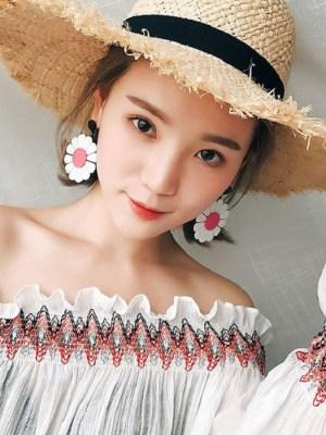 Jisoo – BlackPink Big Daisy Earrings (10)