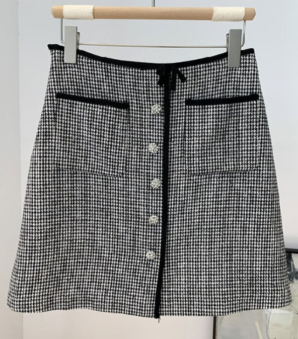 Fine Houndstooth Patterned Skirt | Lisa – BlackPink