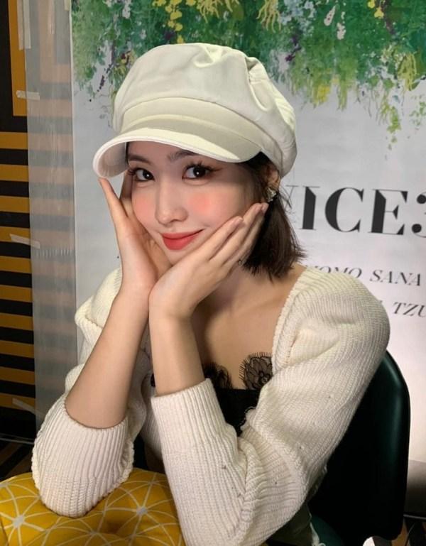 Beige Puffed Sleeve Tie Back Sweater | Momo – Twice