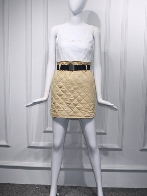 Hyuna Beige Suede Diamond Pattern Skirt (2)