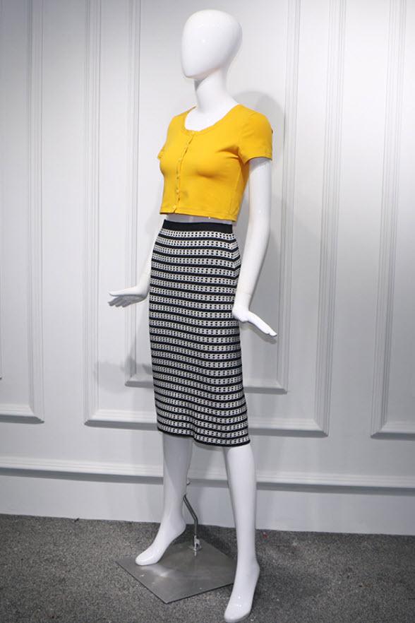 Patterned Midi Black Skirt   Hyuna