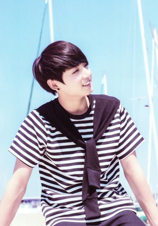 Striped T-shirt With Shawl | Jungkook – BTS
