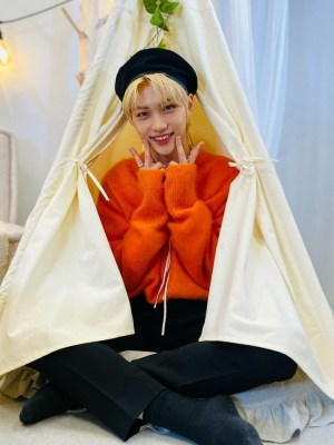Orange Knitted Sweater | Felix – Stray Kids