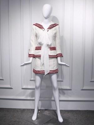 Jennie – BlackPink White Retro Tweed Skirt (1)