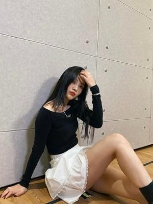 White Layered Lace Skirt | Joy – Red Velvet