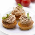 Cupcakes parmesan-tomate, glaçage tomate-fromage frais