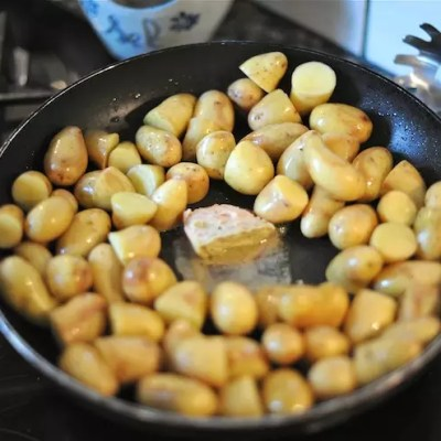 Beurre arrangé au foie gras & pommes de terre grenaille