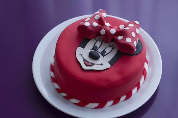 gateau-minnie-disney-cake