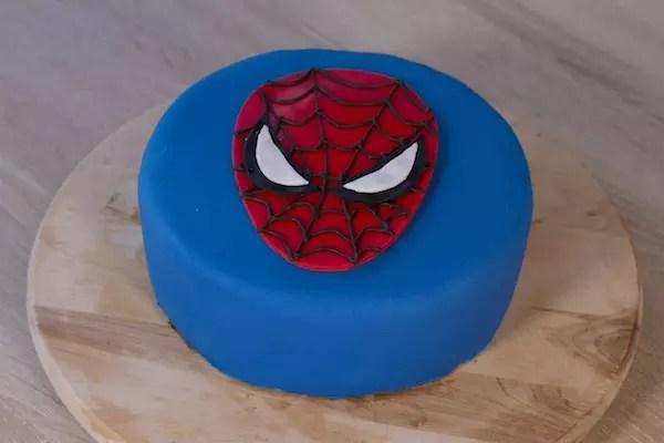 gateau-spiderman-facile