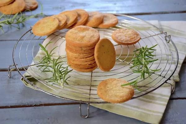sables-aperitif-cheddar-romarin