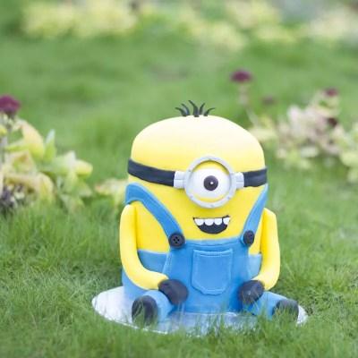3D Minion cake