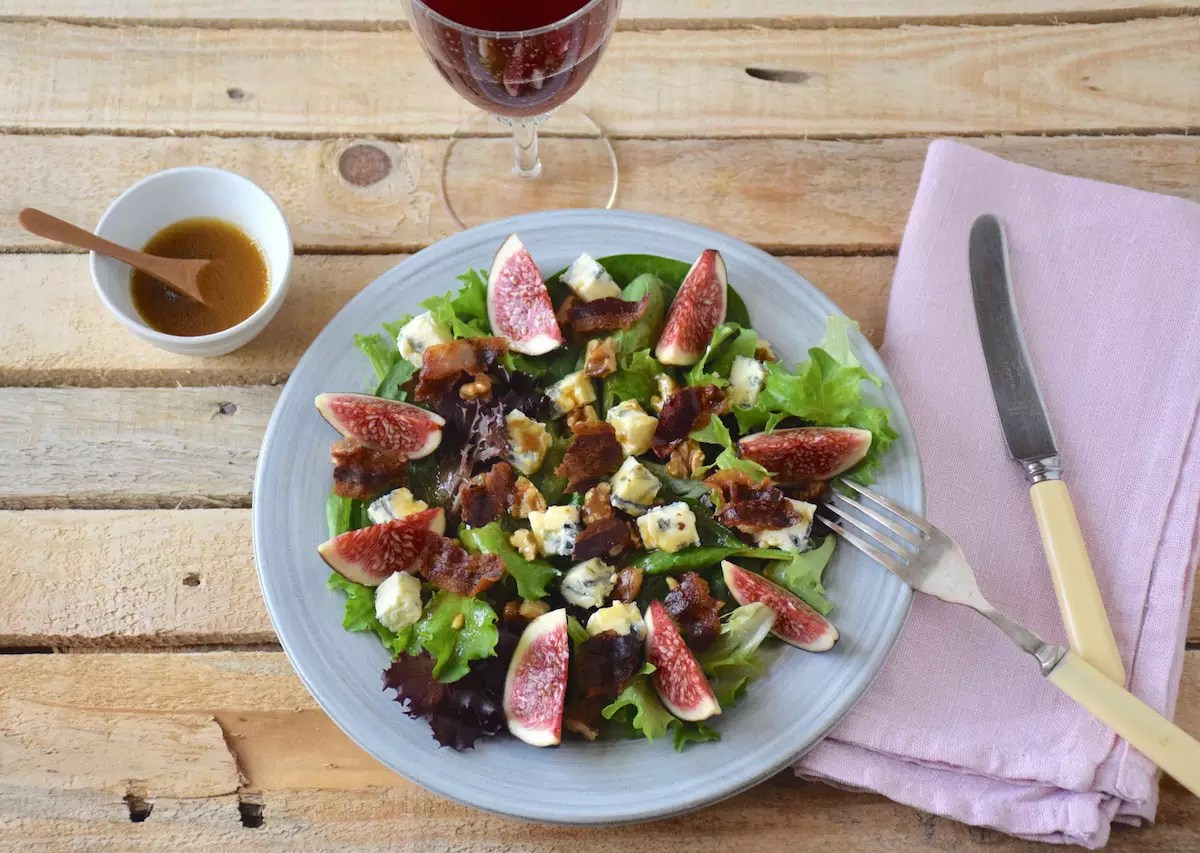 fig blue cheese walnut salad