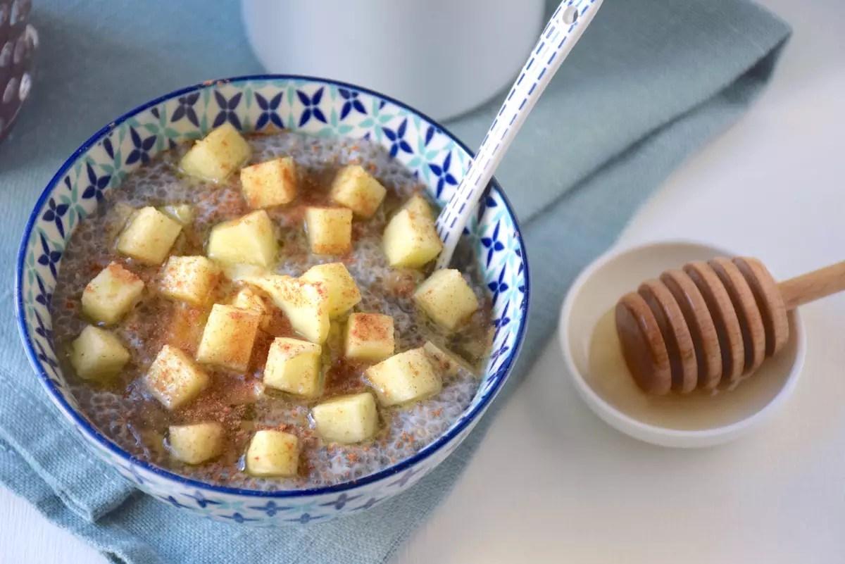 Porridge de chia pomme cannelle