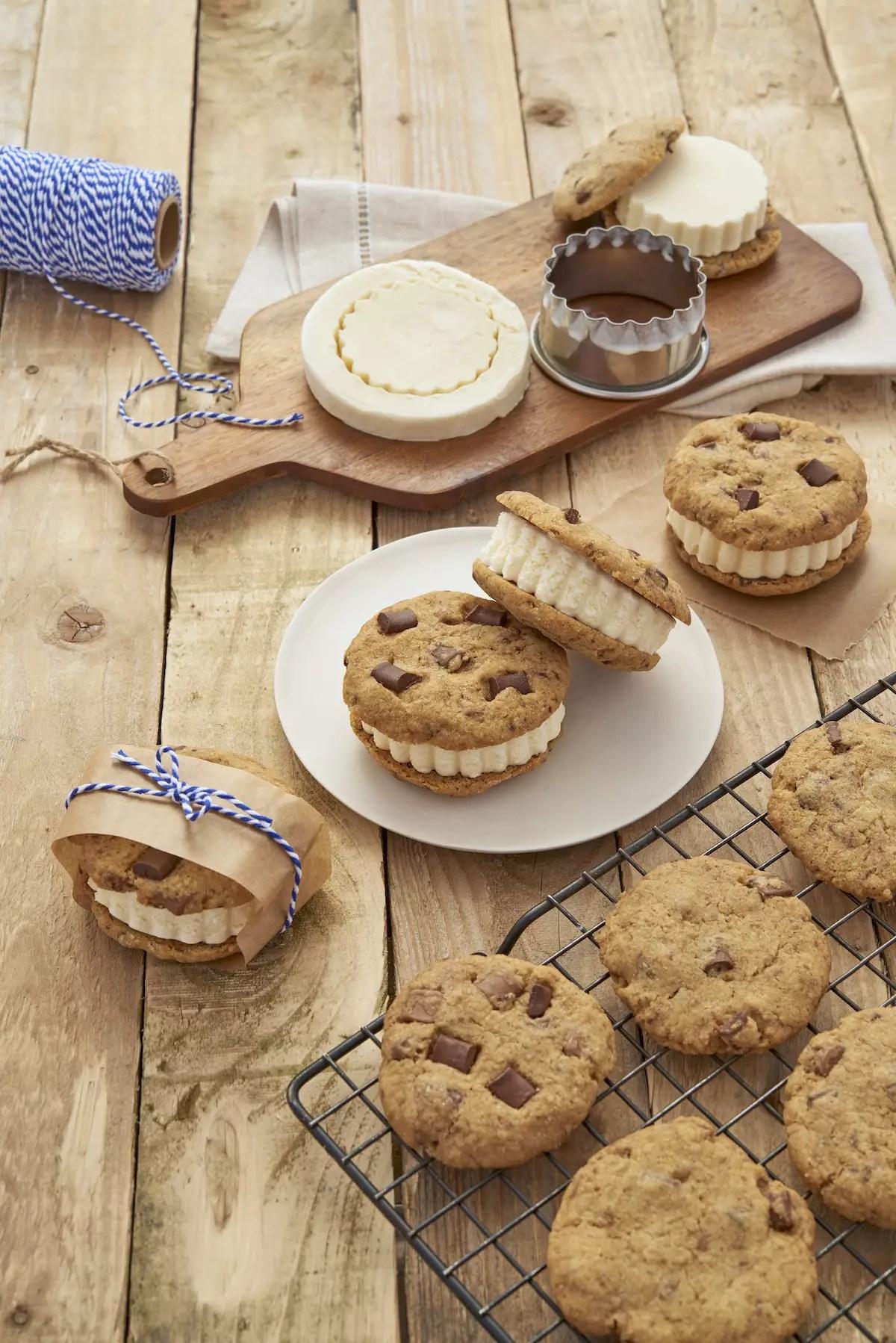 Sandwiches de cookies glacés à la vanille