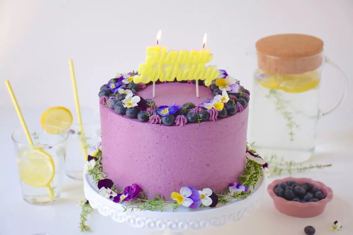 Layer cake citron myrtilles