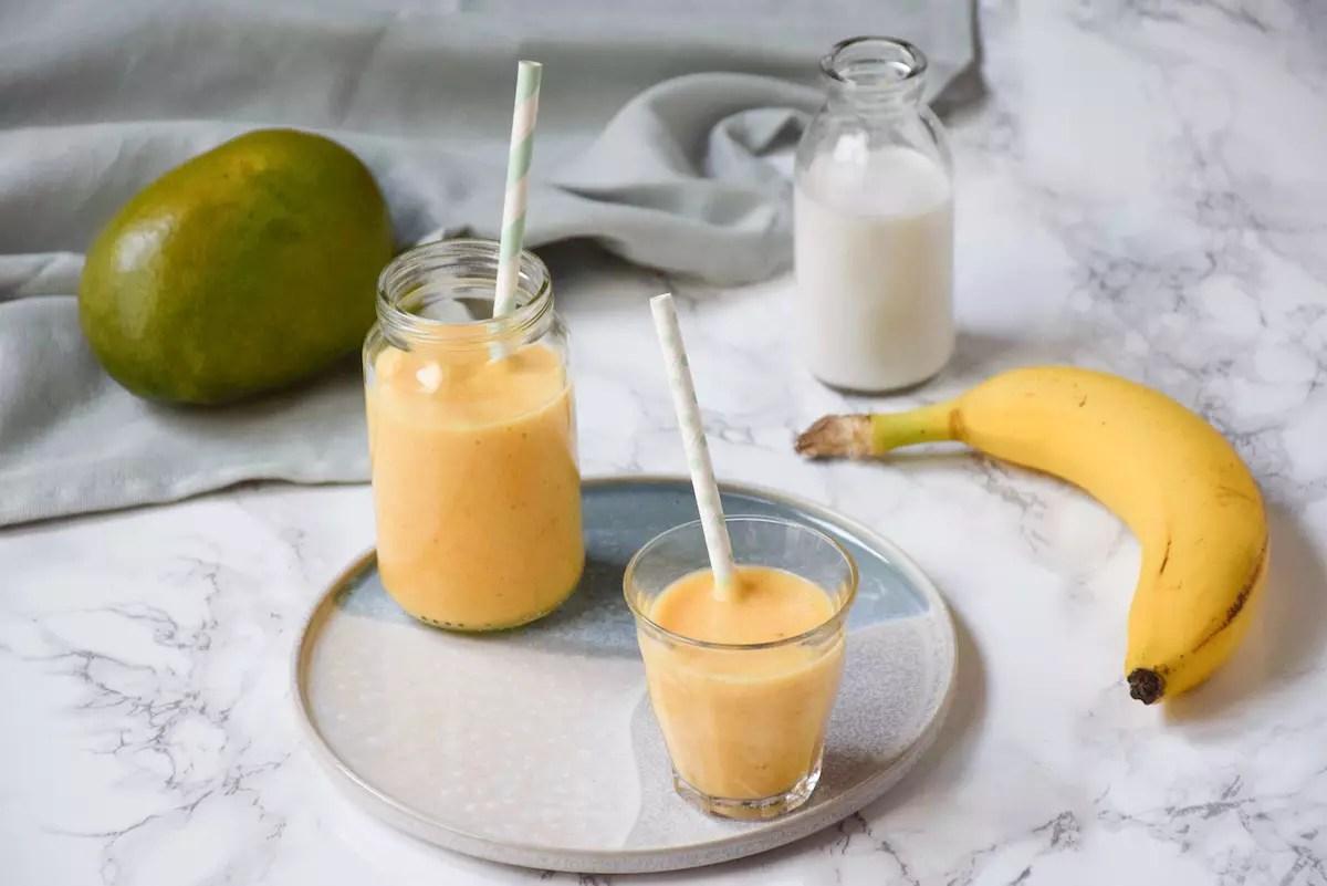 Petit pot bébé: smoothie pomme mangue banane