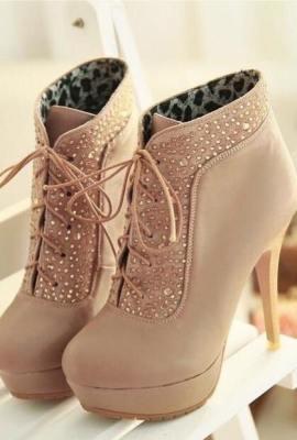 Shoe Showpiece