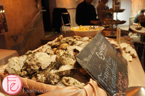 oysters by Oyster House & Grill