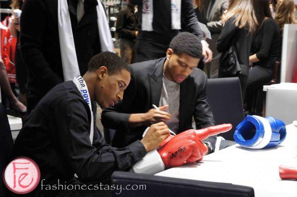 DeMar DeRozan signing autograph